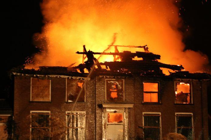 De brand bij de boerderij aan de Nedereindstestraat in Kesteren
