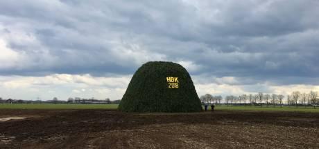 Hattrick compleet: Dijkerhoek heeft wéér het grootste paasvuur