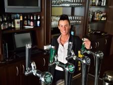 Oud-medewerkster blaast failliet café De Unie nieuw leven in: 'Ik wil het ouderwetse gevoel terugbrengen'