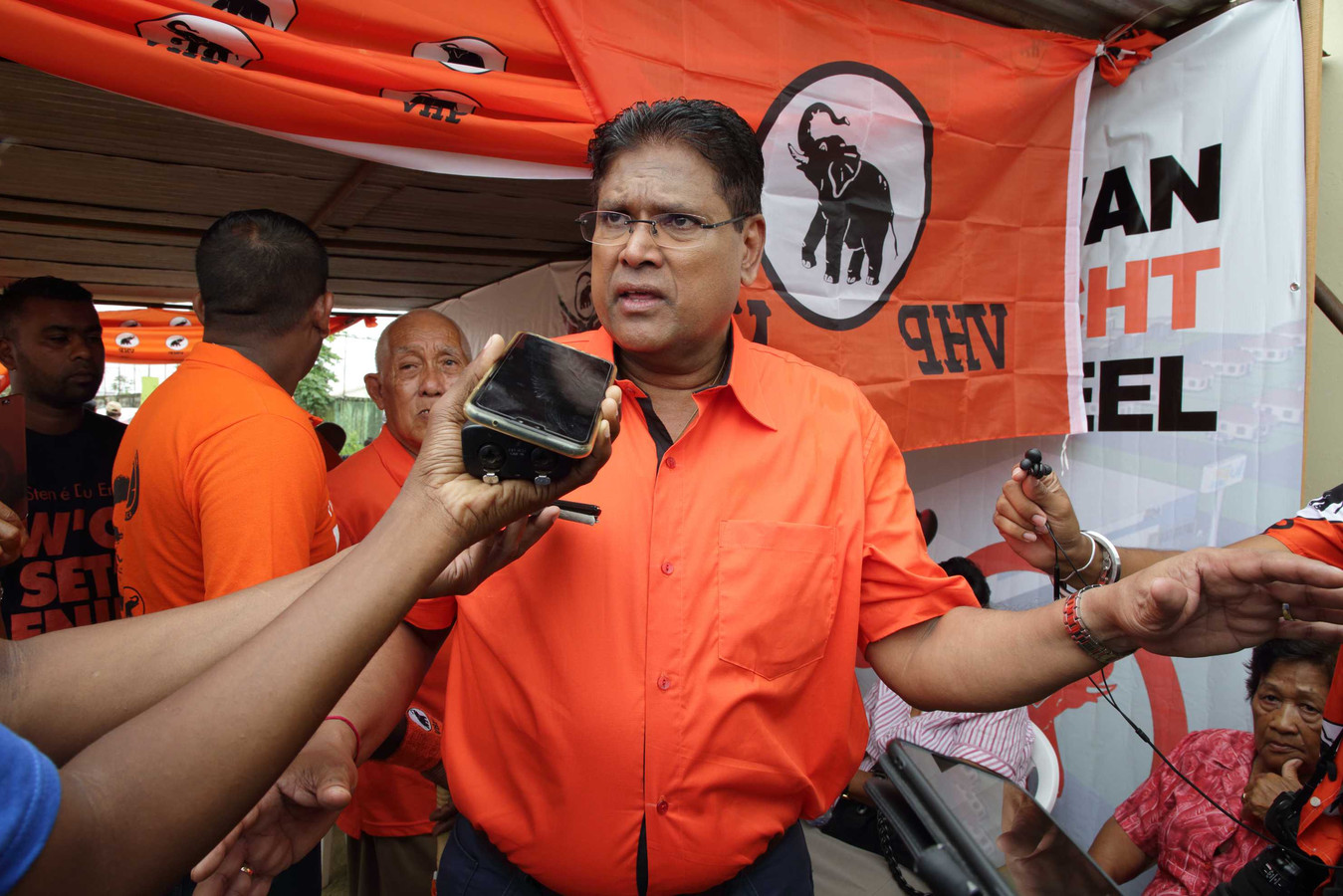 Oppositieleider Chan  Santokhi.