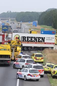 Chaos op A1 na dodelijk ongeluk ontregelt verkeer op Twentse wegen