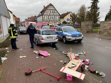 Automobilist rijdt bewust in op carnavalsstoet Duitsland: 'Zeven zwaargewonden, ook kinderen'