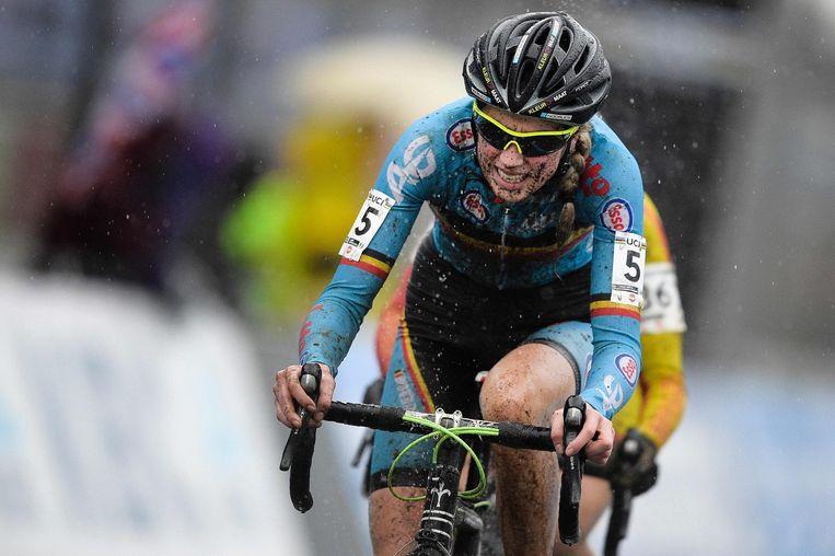 Femke Van den Driessche, in een van haar fietsen werd een motortje ontdekt Beeld anp