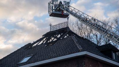 Brand vernielt pas geopend restaurant van Laurenzo (21): vuur treft ook dak van koffiespeciaalzaak van zijn ouders