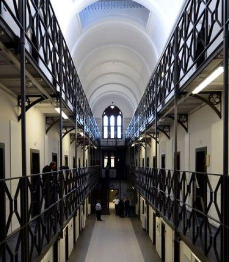 Un gardien de la prison de Mons soupçonné de harcèlement sexuel écarté