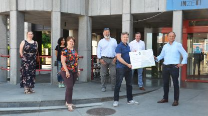 Gemeente en Denderlions steunen samen aankoop chromebooks voor kinderen uit Denderleeuwse basisscholen