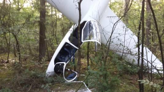 Het neergestorte zweefvliegtuig bij Malden.