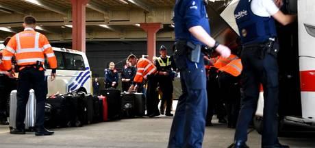 België controleert bussen uit Nederland op terroristen en criminelen