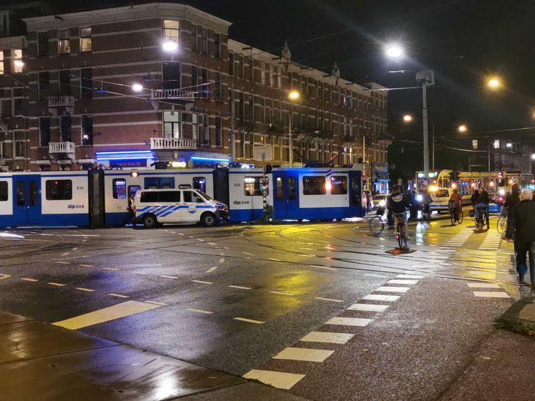 De defecte tram op de Rozengracht. Beeld Het Parool