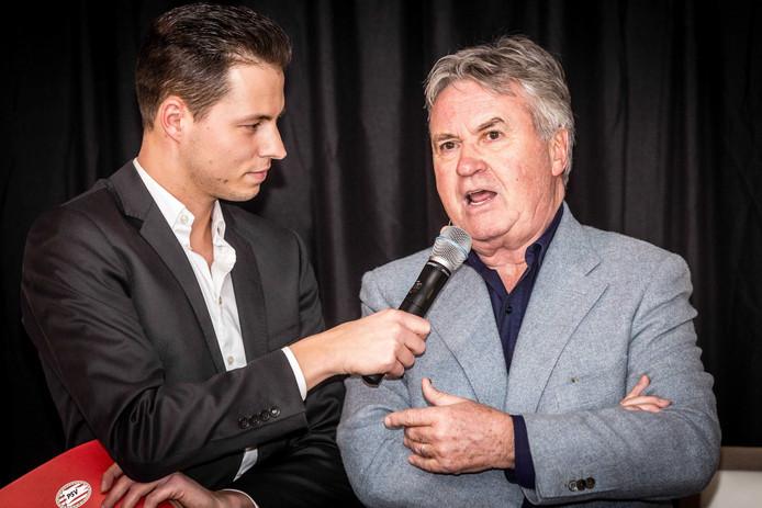 Guus Hiddink wordt geïnterviewd tijdens de presentatie van het boek Mijn Stijl van PSV-directeur Toon Gerbrands in het Philips Stadion. ANP ROB ENGELAAR