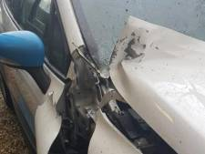 Vuurwerkbom verwoest motorkap van auto in Nijkerk: duizenden euro's schade