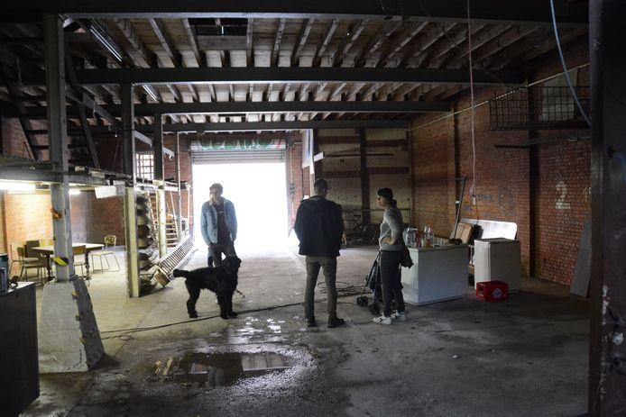 In het voormalig loodgietersmagazijn zullen zeilboten gebouwd en gerenoveerd worden.