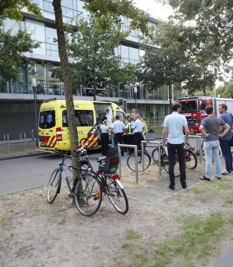 Smeulende printplaten zorgen voor ontruiming gebouw High Tech Campus, één persoon lichtgewond