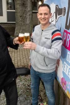 Speciaalbierfestijn in Den Ham: 'Ze verzinnen de gekste namen, maar ze smaken allemaal goed'