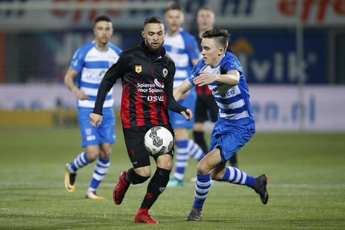 Spelers van PEC Zwolle in actie