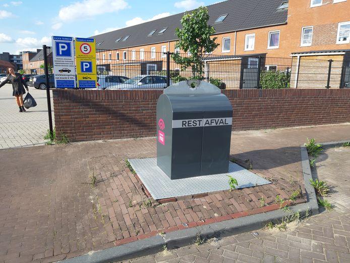 Restafvalcontainer in het Singelkwartier in Schuytgraaf, een van de schonere Arnhemse wijken in het Gelderlander-afvalonderzoek.