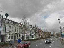 Slachtoffer van zakkenrollers zet achtervolging in na diefstal van portemonnee in Tilburg