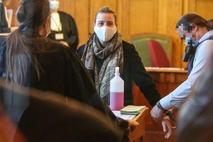 Veerle Winnen werd meteen in de boeien geslagen na de uitspraak en overgebracht naar de vrouwengevangenis.