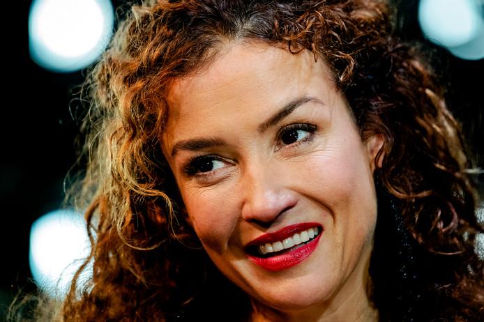 Katja Schuurman, Eva van de Wijdeven, Benja Bruijning en Tim Haars spelen de hoofdrollen in Kerst bij Koosje.