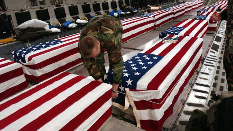 Oorlogsdoden uit Irak komen aan in de VS Beeld afp