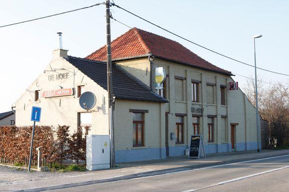 Vanuit café De Hoef in Schaffen zou de bende geopereerd hebben.