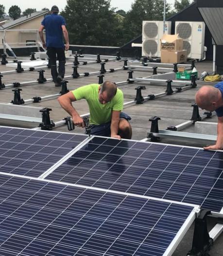 Zonnepanelen op twee grote daken in centrum van Bredevoort