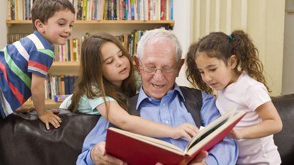 Is vaak op de kleinkinderen passen schadelijk voor grootouders?