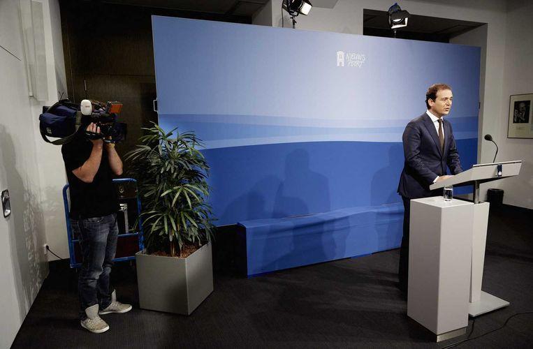Vice-premier Lodewijk Asscher staat de pers te woord. Beeld anp