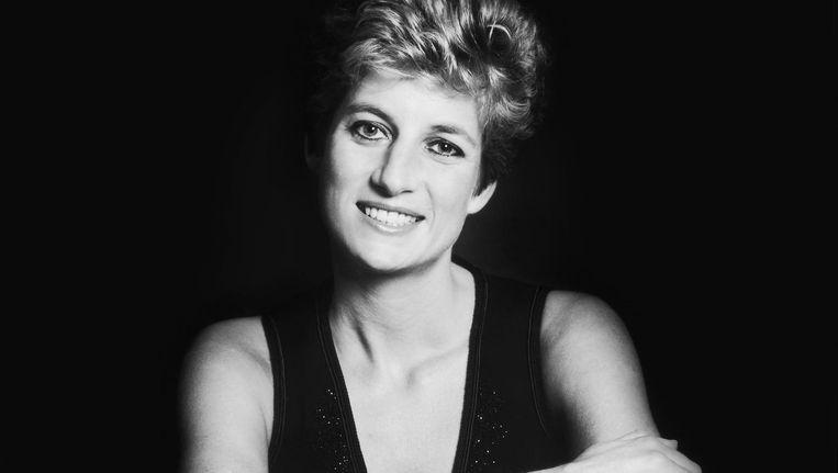 Diana had haar enorme populariteit voor het overgrote deel te danken aan hoe benaderbaar ze was. Beeld getty