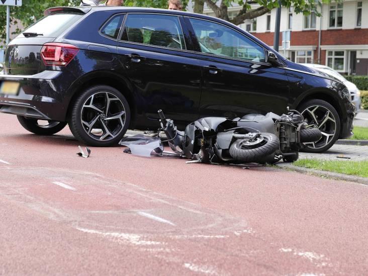 Aanrijding tussen scooterrijder en automobilist in Waalwijk