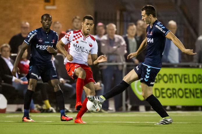 Juriën Gaari tijdens het KNVB-bekerduel met Helmond Sport.