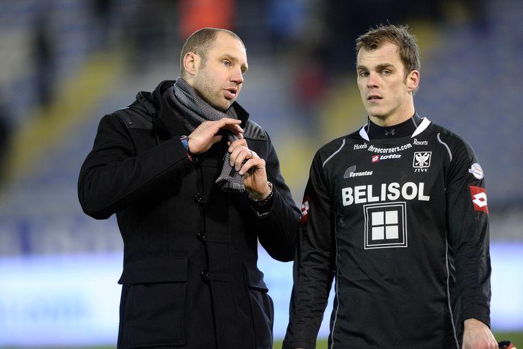 2011: Bob Peeters met Cercle-doelman Van Der Jeugt.