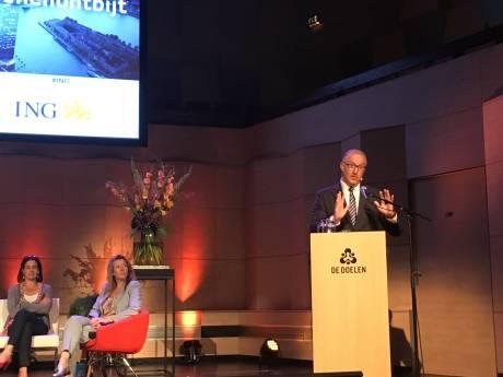 Burgemeester Aboutaleb schaamt zich voor startsalaris agenten: 'Daarvoor koop je geen huis in Rotterdam'