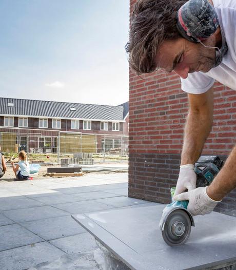 Hard doorwerken in Hedel tijdens bouwvakantie
