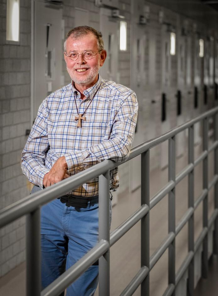 Gevangenispastor Jan Lange van de PI Alphen aan den Rijn neemt afscheid.