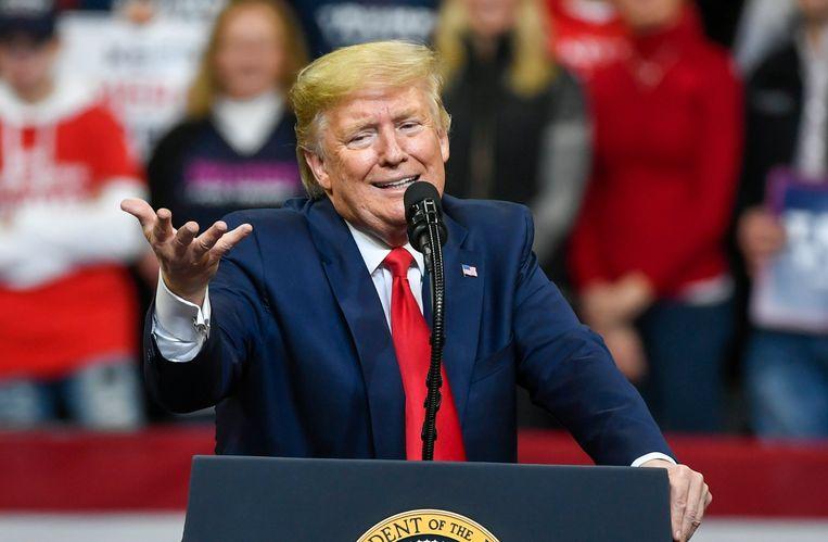 Donald Trump tijdens zijn rally in Iowa.