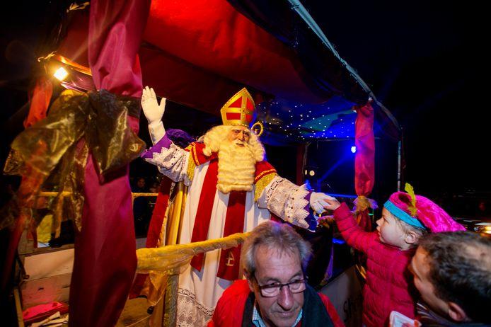 In plaats van de traditionele lichtjesintocht in Kaatsheuvel zal Sinterklaas dit jaar pleinen in wijken bezoeken.