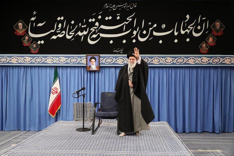 De hoogste leider van Iran, Ayatollah Ali Khamenei, na de raketaanval op twee Amerikaanse bases in Irak. Beeld EPA