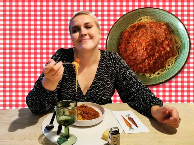 "Onze spaghettispecialist test de geheime bolognese-plek van de BV's: ""Dunne slierten, piepkleine groenten en de perfecte portie"""