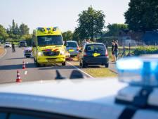 Fietser wordt in Heerde geschept door auto en belandt in ziekenhuis