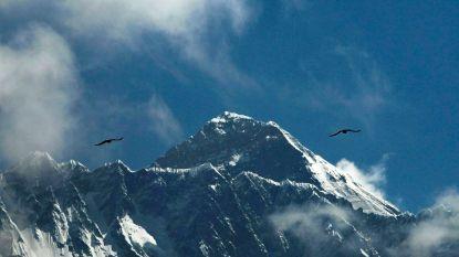 11 ton afval en 4 lichamen gevonden bij grote opruimactie op Everest