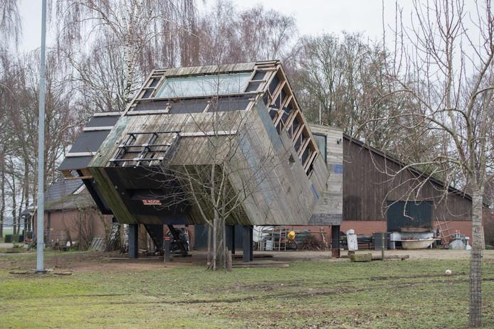 Welp Ruzie over woonkubus Luttenberg gesust | Raalte | destentor.nl NJ-64