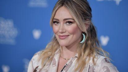 """Hilary Duff bijt terug na geruchten over mensenhandel na naaktfoto's zoontje: """"Dit is walgelijk"""""""