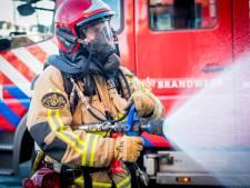 Niet blussen, maar koffie schenken: brandweer helpt in verpleeghuis Hilversum na uitbraak