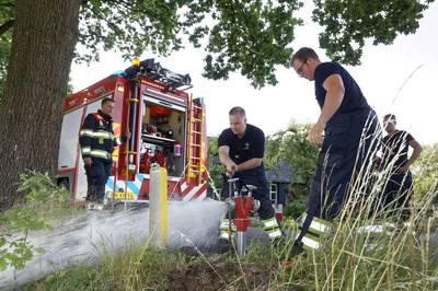 Superbelangrijk, maar steeds meer in het slop: zo controleert de brandweer ondergrondse kranen