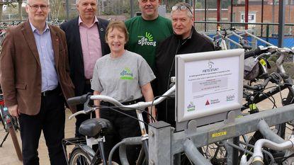 Zevende fietspunt van provincie geopend aan station