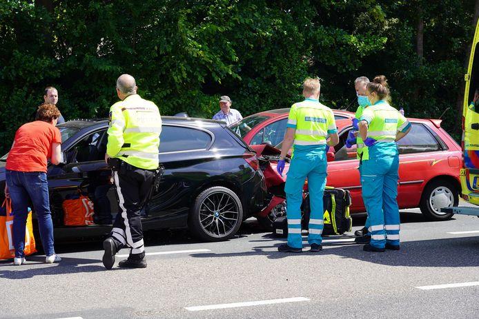 Twee gewonden bij een botsing in Dongen.