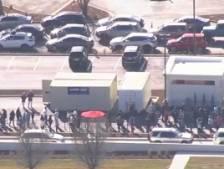 Une file d'attente de 14 heures se forme devant un nouveau fast-food aux États-Unis