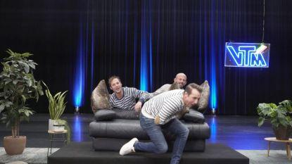 VIDEO. Staf en Mathias Coppens verkleden zich als zetel en nemen Andy Peelman stevig beet