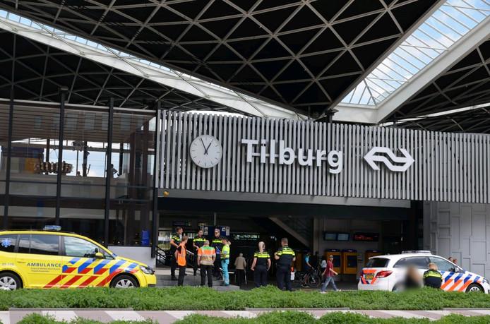 De verwarde vrouw ontregelde tijdelijk het treinverkeer in Tilburg.